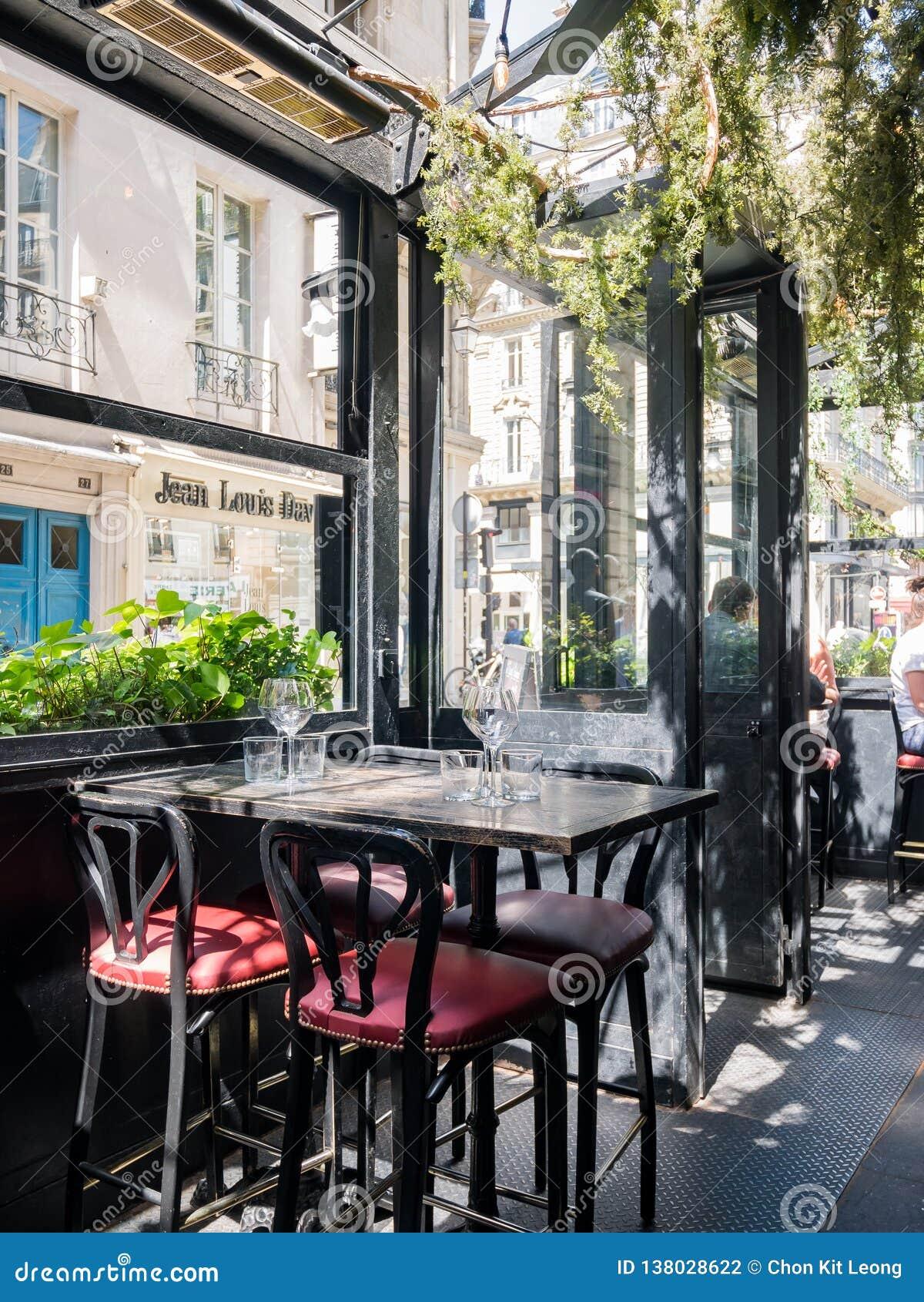 O L famoso  'restaurante de Montorgueil do escargot