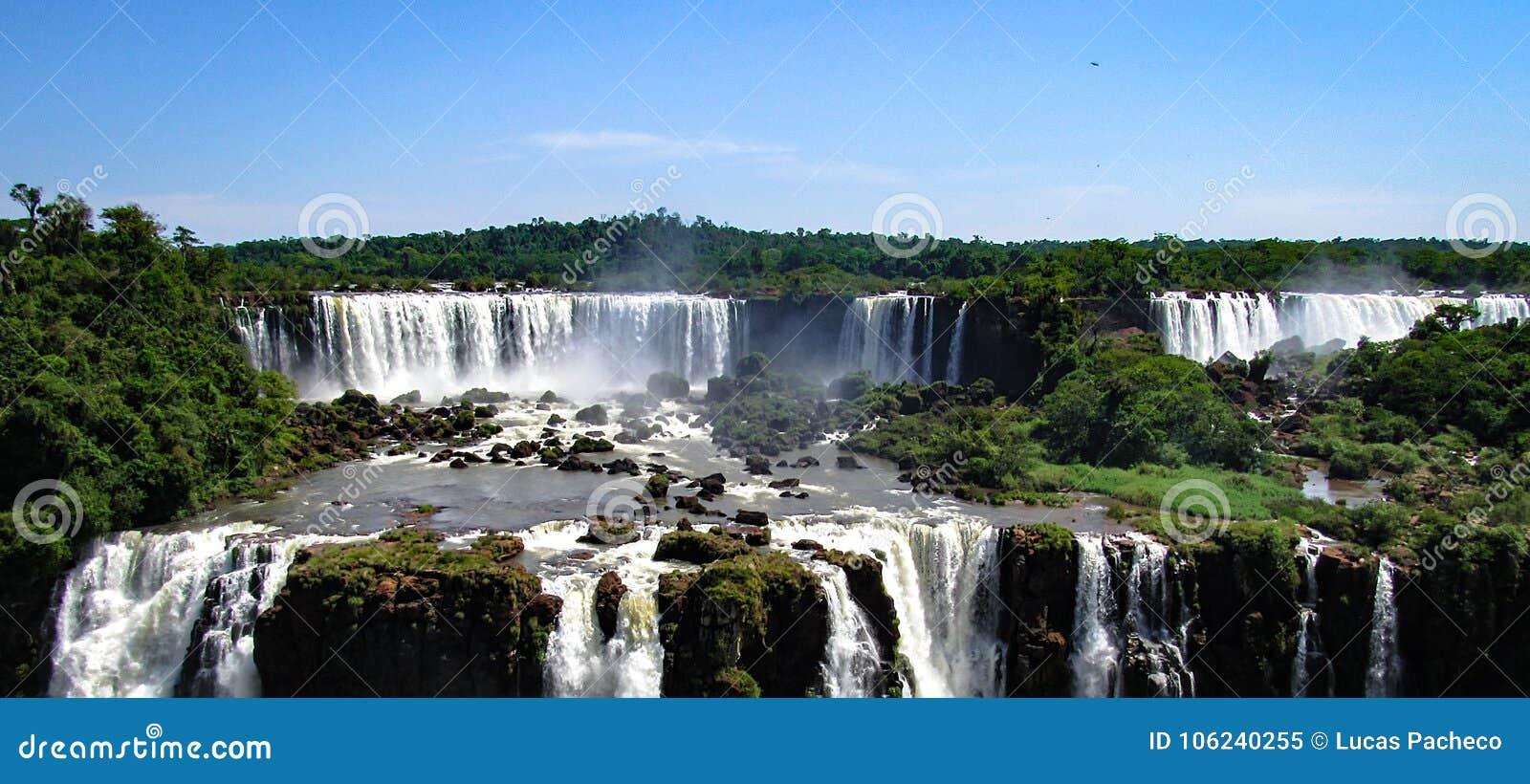 O lado brasileiro da Foz de Iguaçu, em Foz faz Iguacu, Brasil