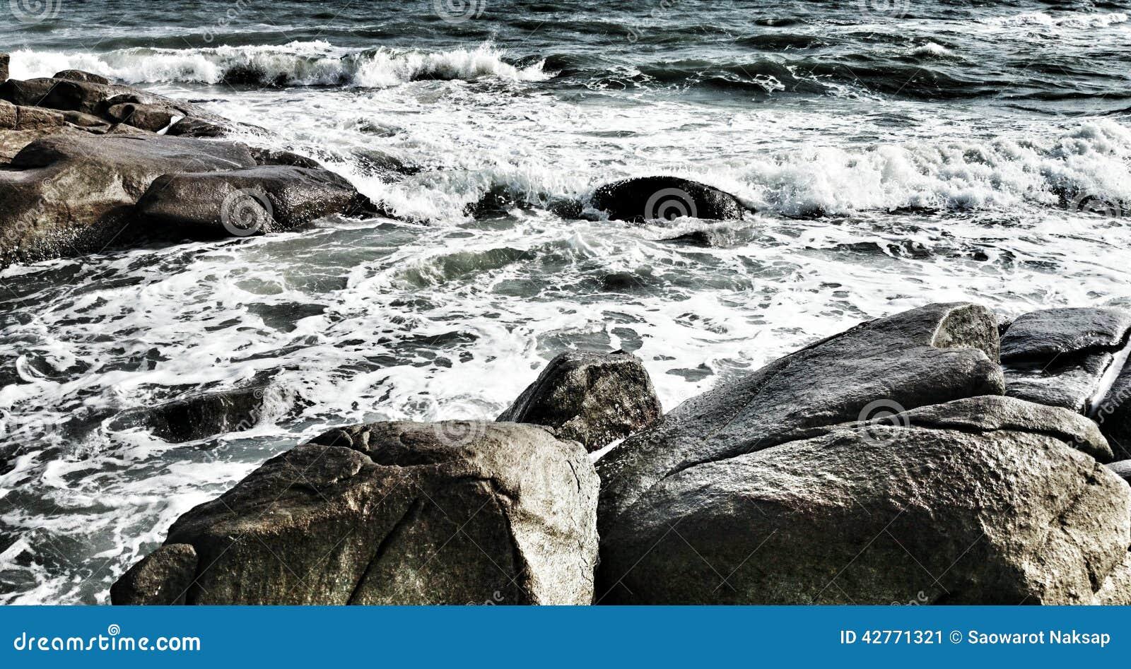 O mar tem a onda