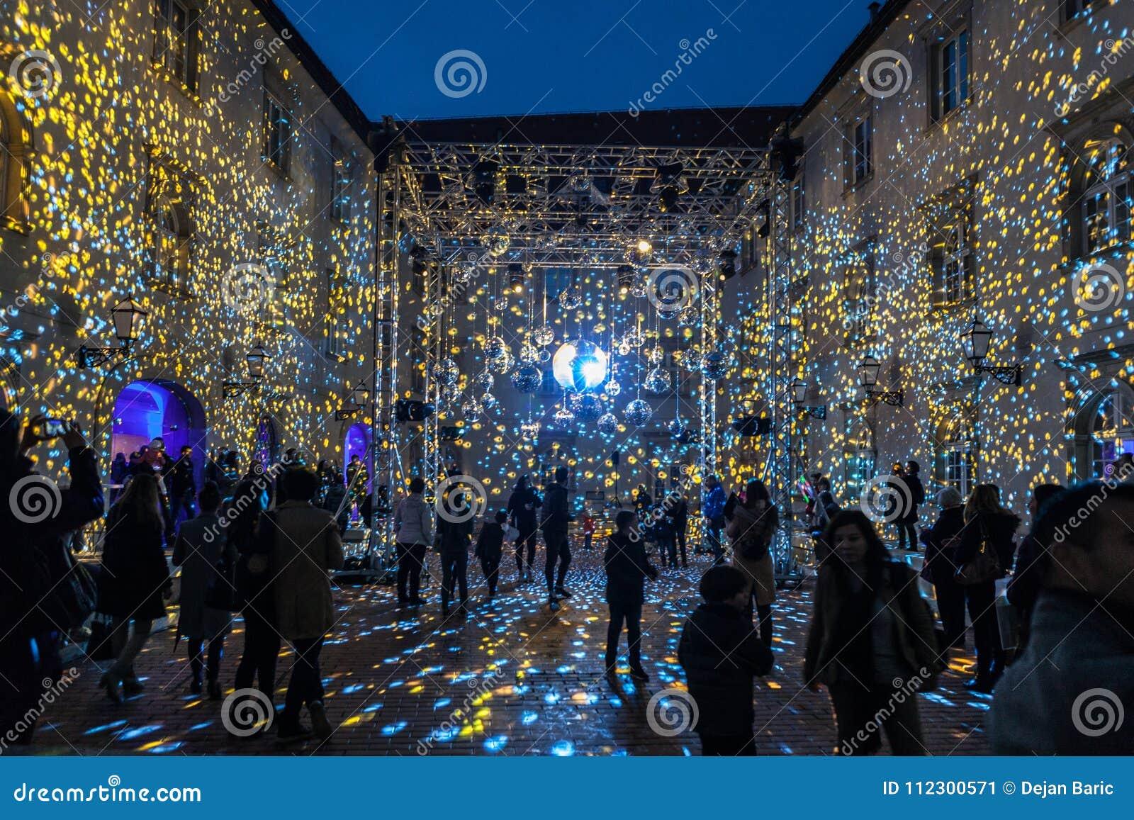 "16o mercado 2018 Zagreb, festival do †da Croácia ""da luz em Zagreb"