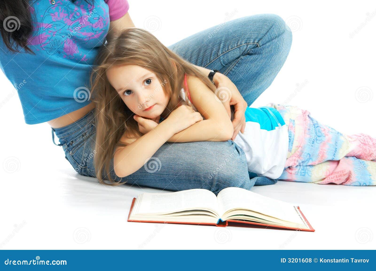 O miliampère e a filha leram o livro