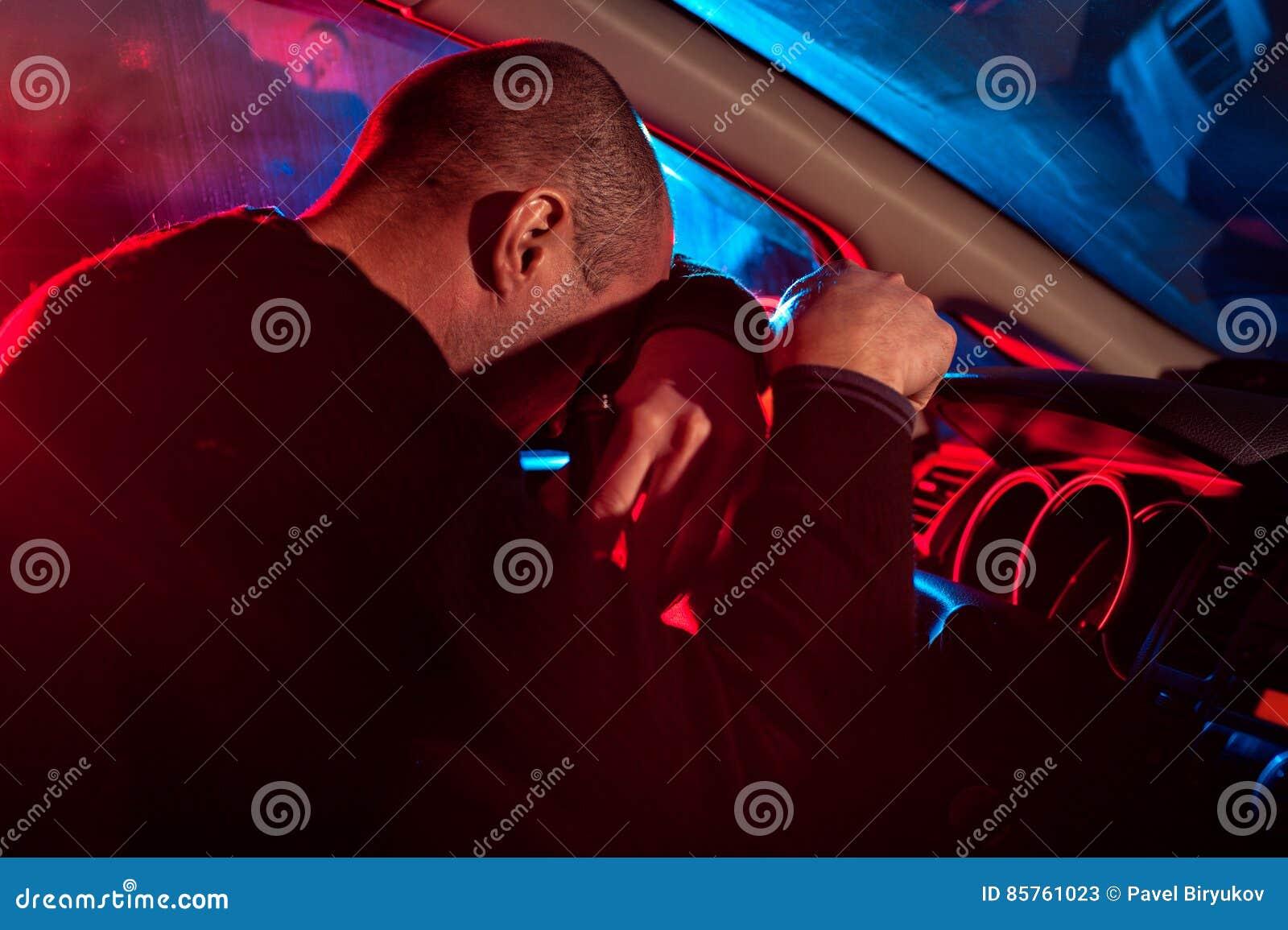 O motorista é condução travada sob a influência do álcool