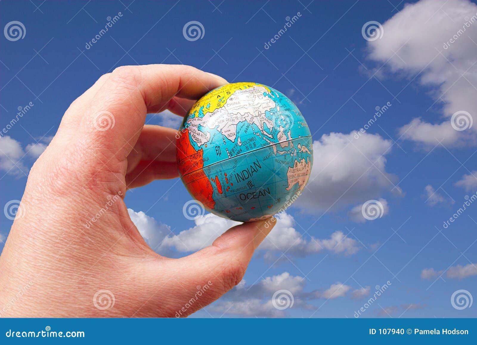 O mundo pode estar em suas pontas do dedo