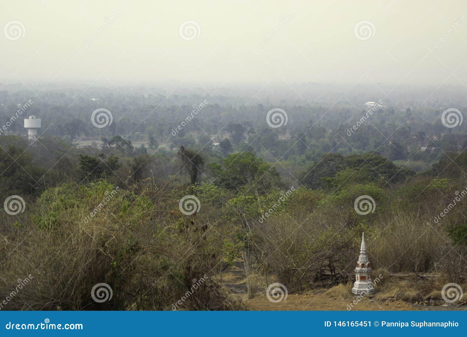 O natural que est? sendo coberto com a polui??o atmosf?rica