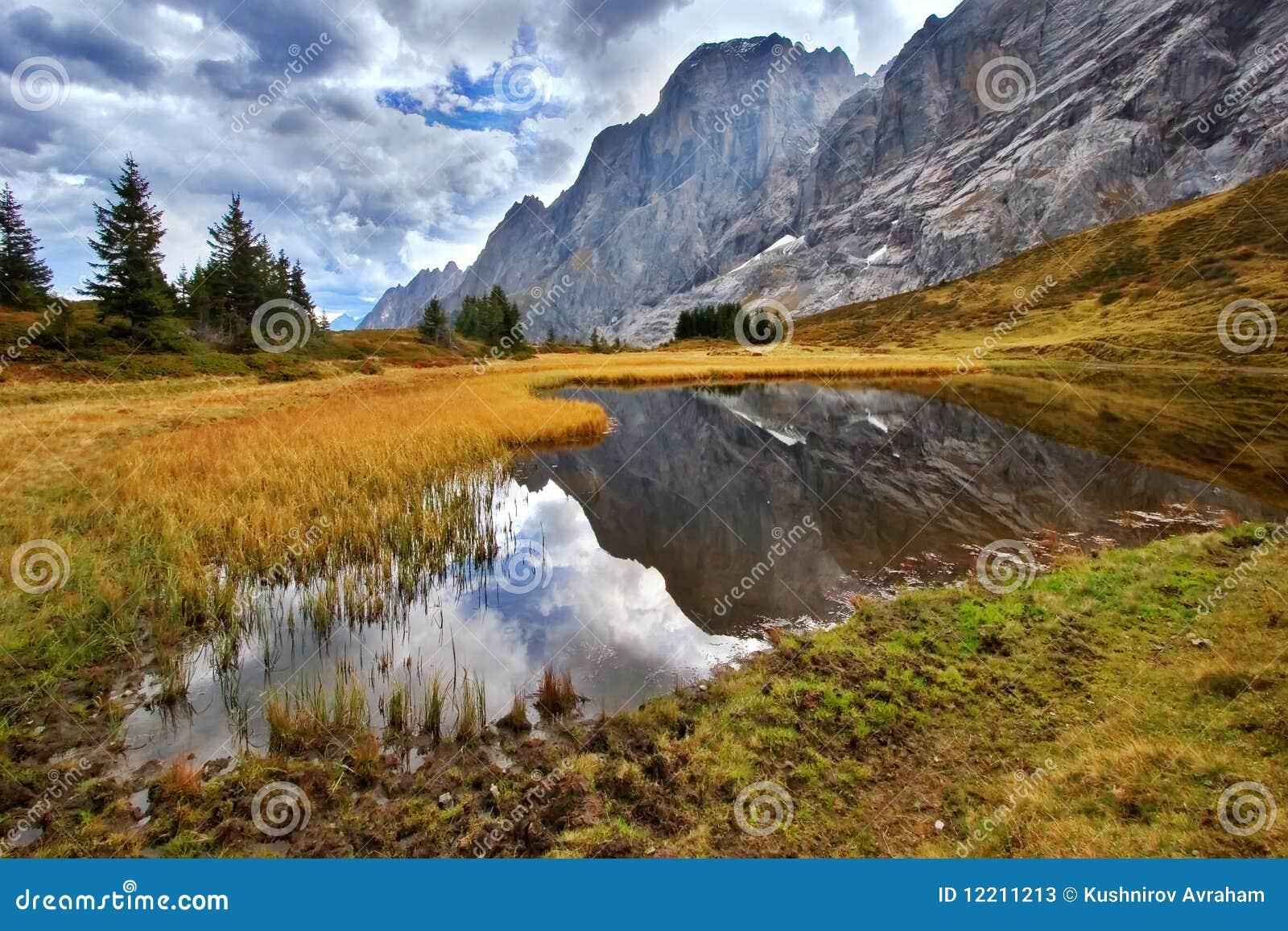 O pântano é elevado nas montanhas