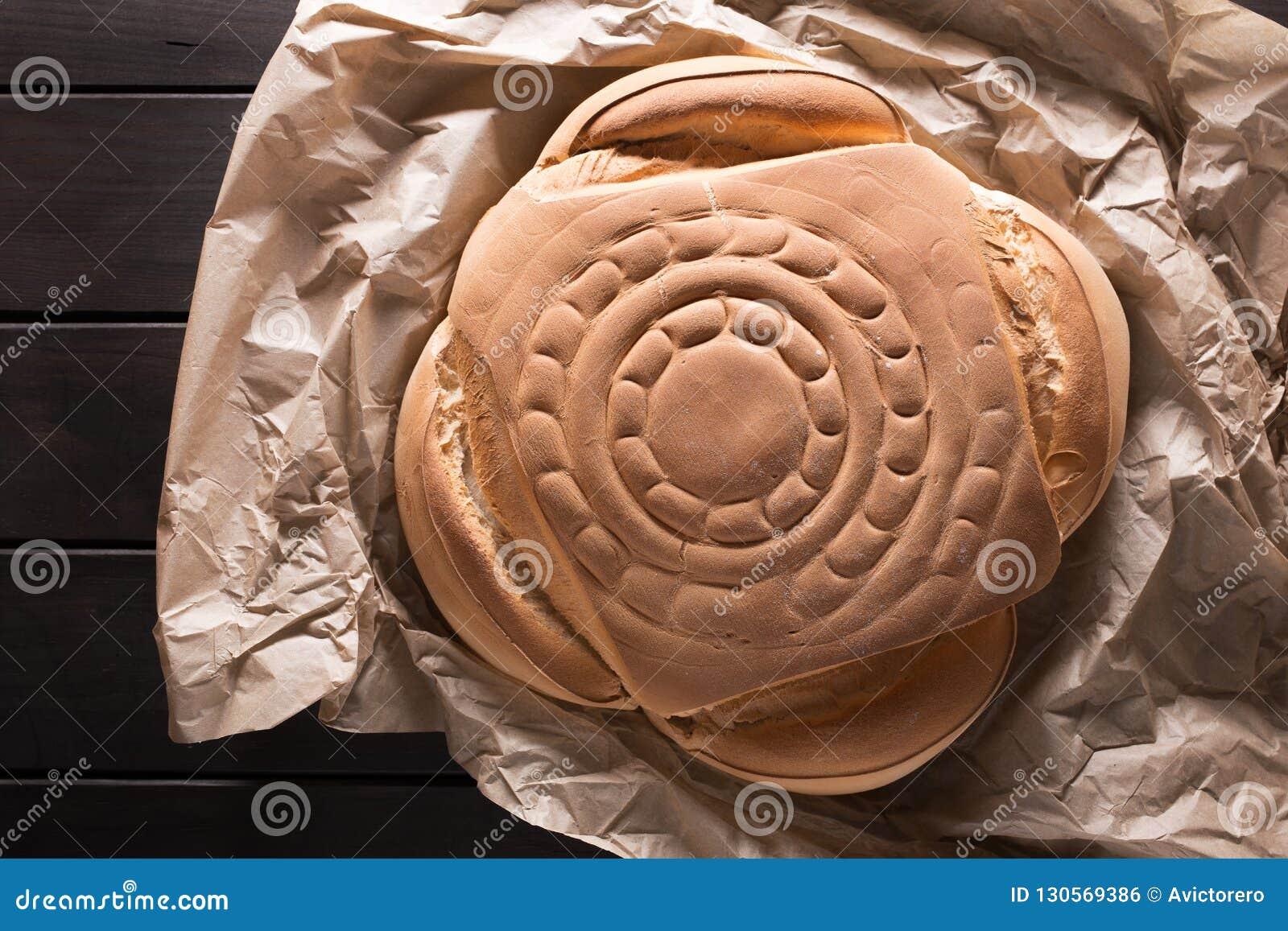 O pão espanhol típico do pão rústico chamou candeal