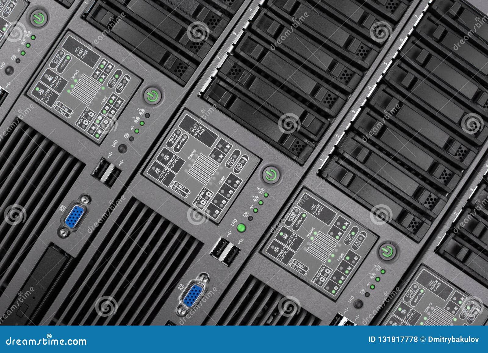 O painel frontal do close up do servidor Tecnologia do Internet, tecnologia obsoleto
