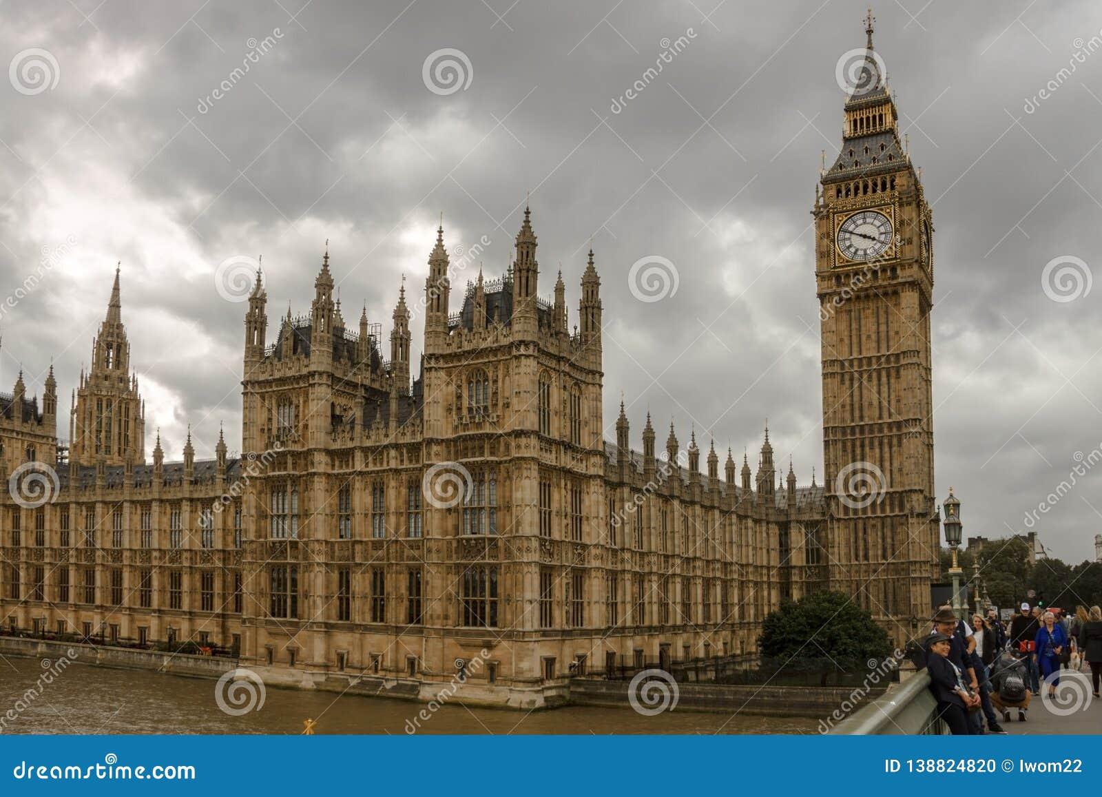O palácio de Westminster Londres, Inglaterra, Reino Unido