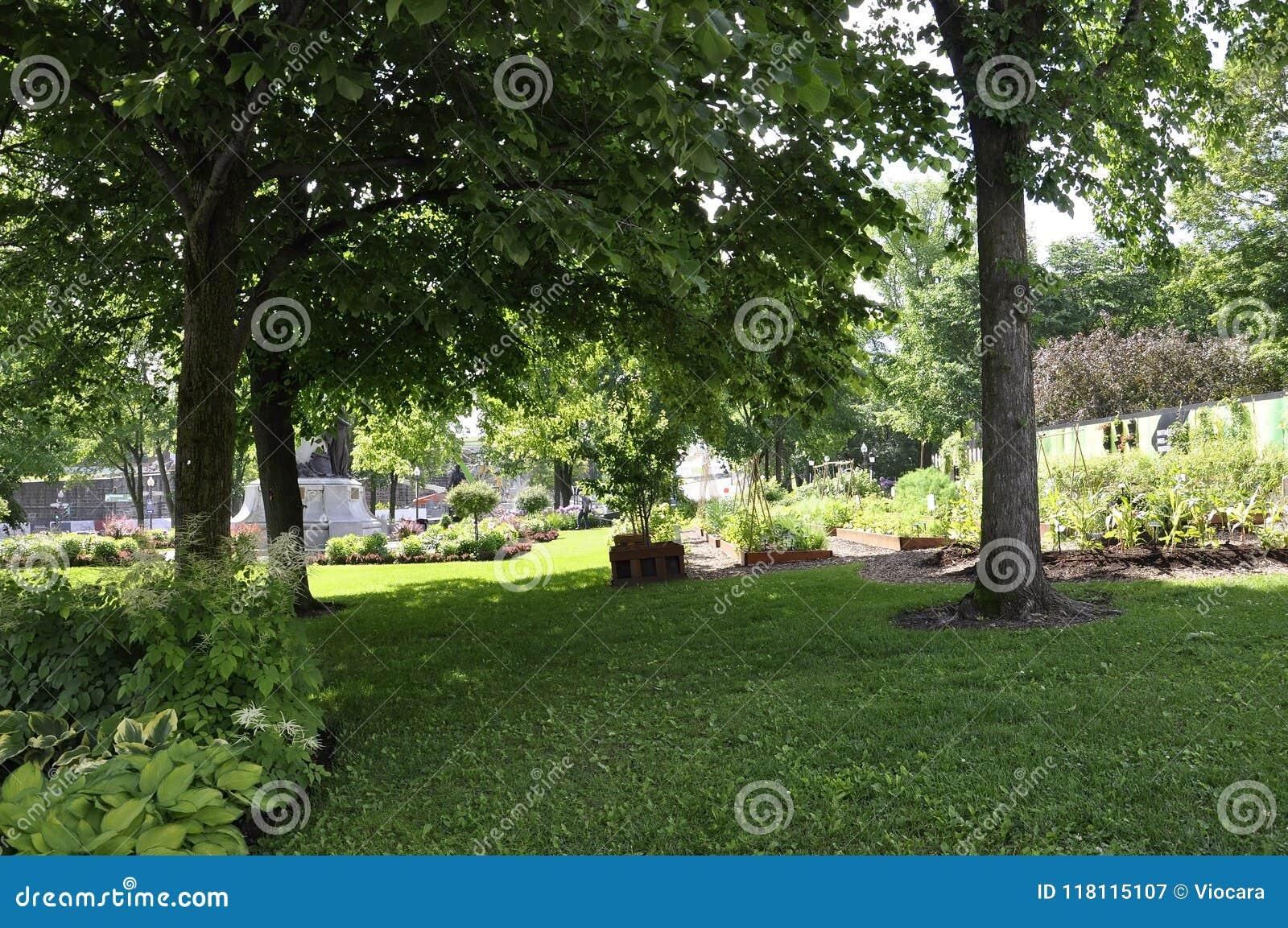 O parlamento jardina de Cidade de Quebec em Canadá