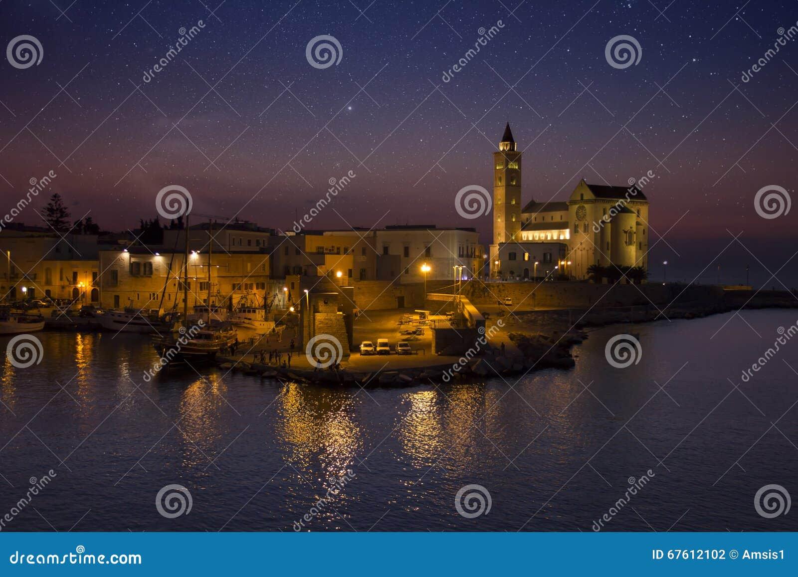 O porto de Tranis no por do sol