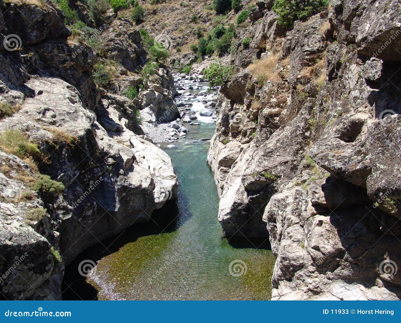 O rio Asco em Córsega