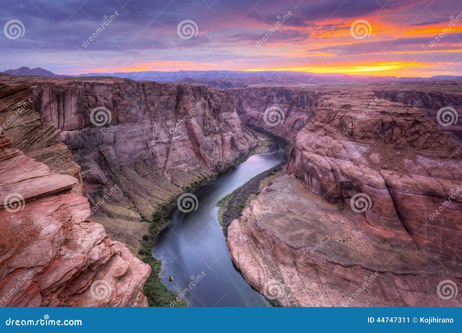 O Rio Colorado, curvatura em ferradura no por do sol