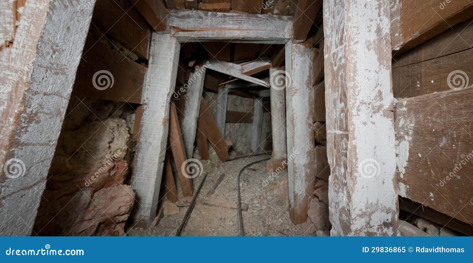 Túnel de desmoronamento da mina