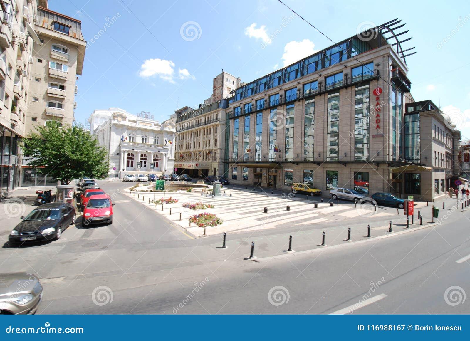 O teatro de Odeon, área metropolitana, vizinhança, plaza, misturou o uso