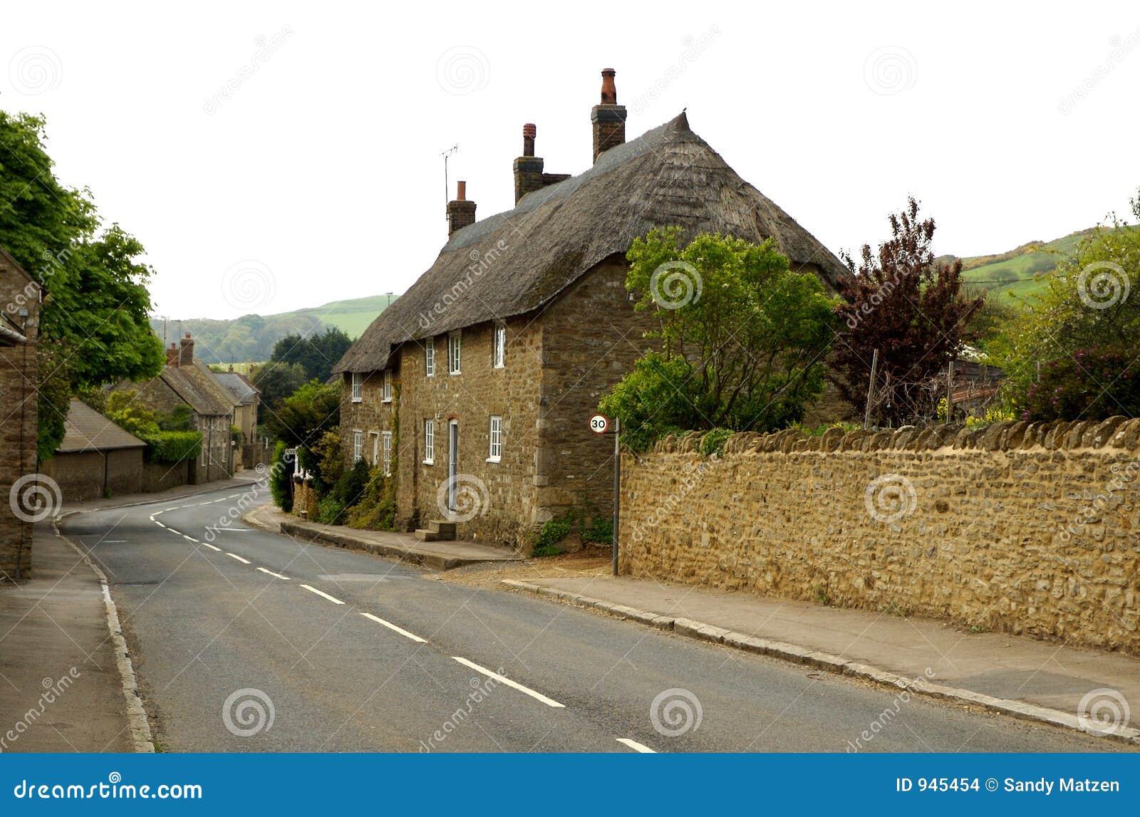 O telhado inglês thatched a casa de campo