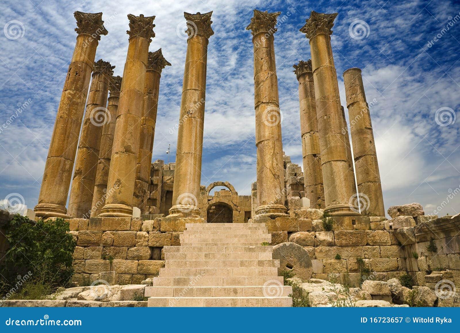O templo de Artemis em Jerash