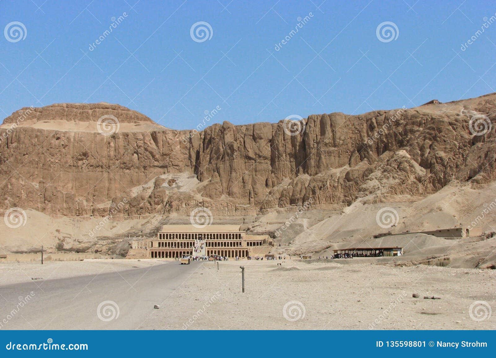 O templo de Hatshepsut, Cisjordânia, Luxor, Egito