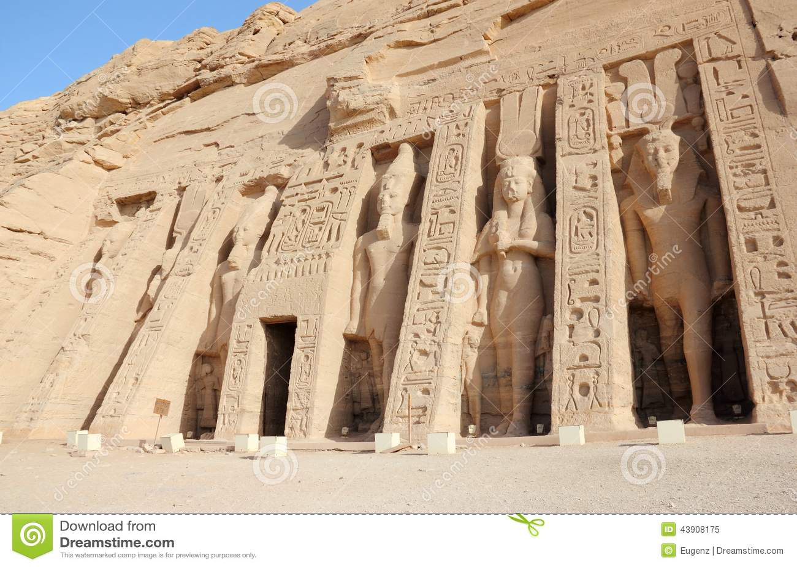 O templo pequeno de Nefertari Abu Simbel, Egipto