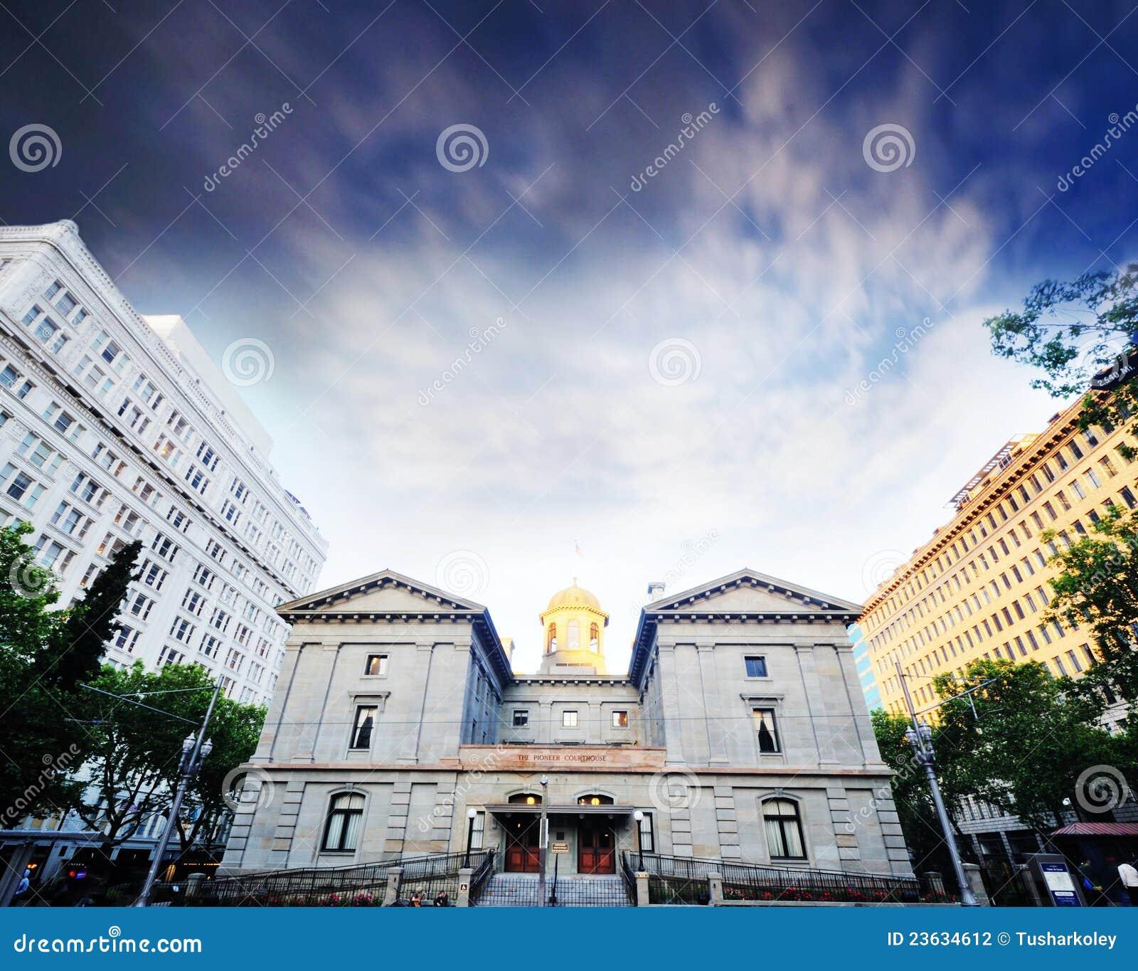 O tribunal pioneiro em portland