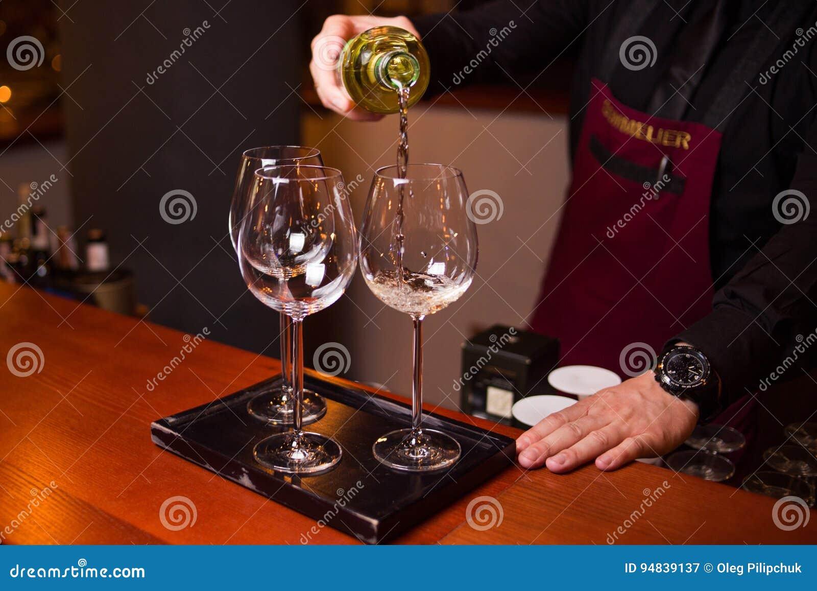 O vinho branco é derrama