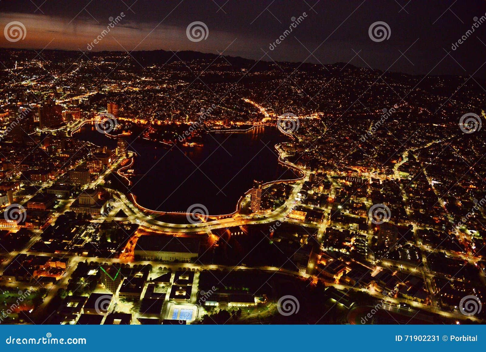 Oakland bij nacht