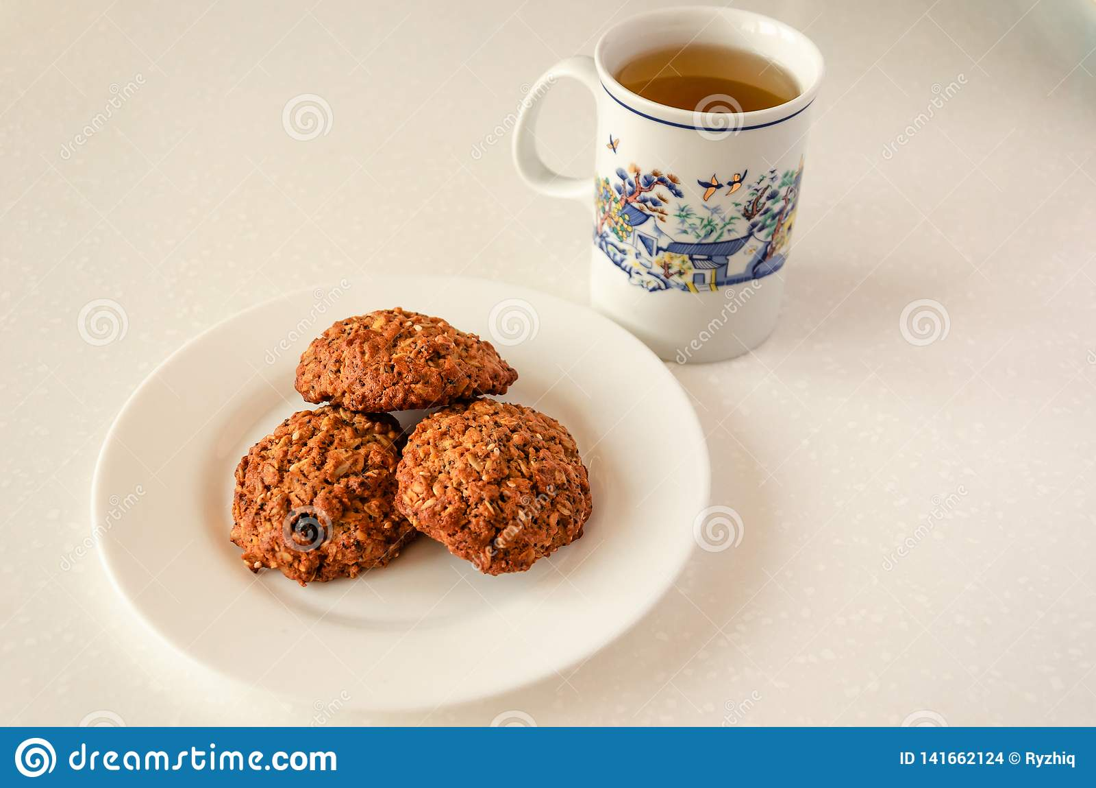 Oat cookies and green tea
