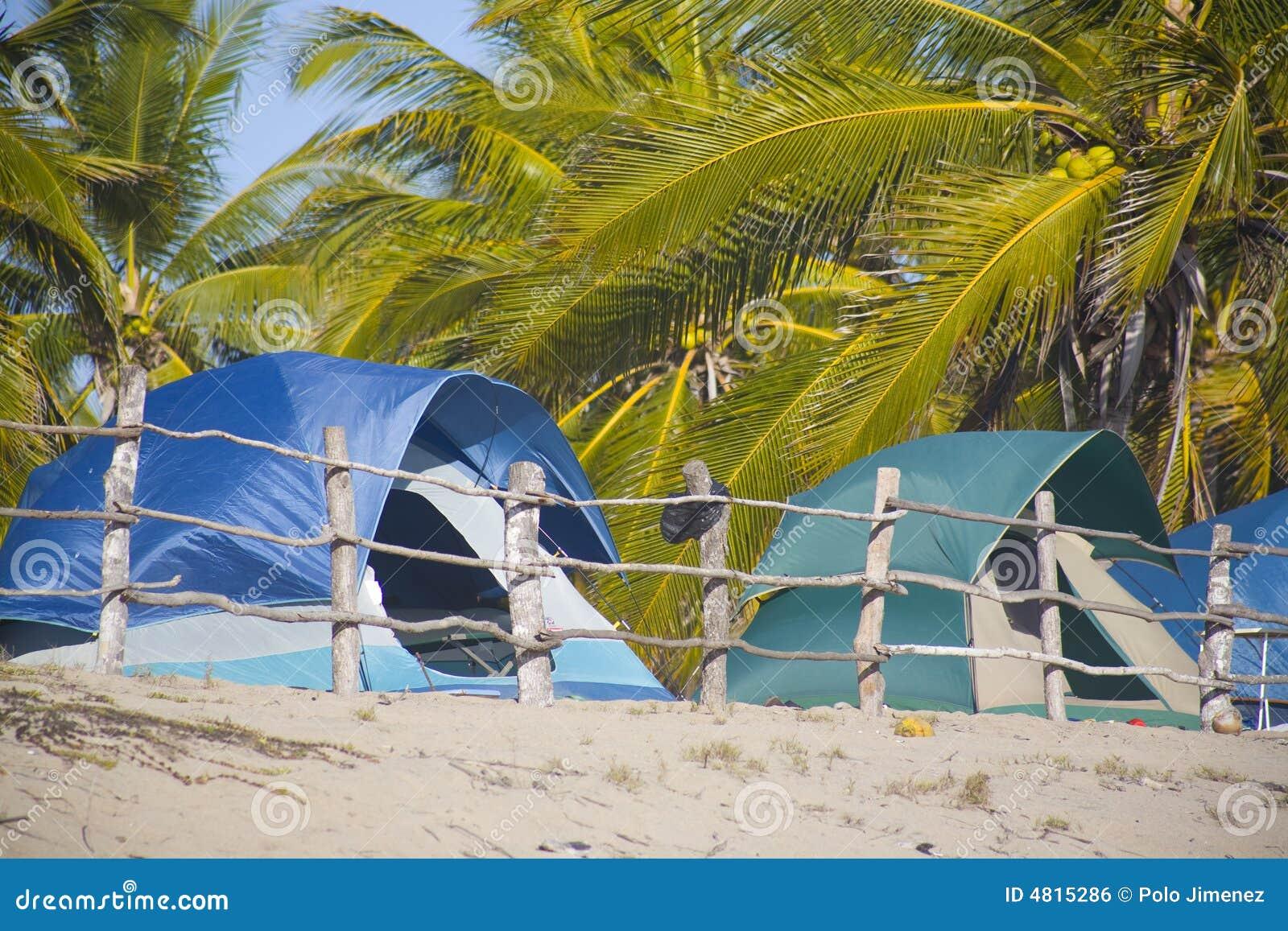 Obóz na plaży
