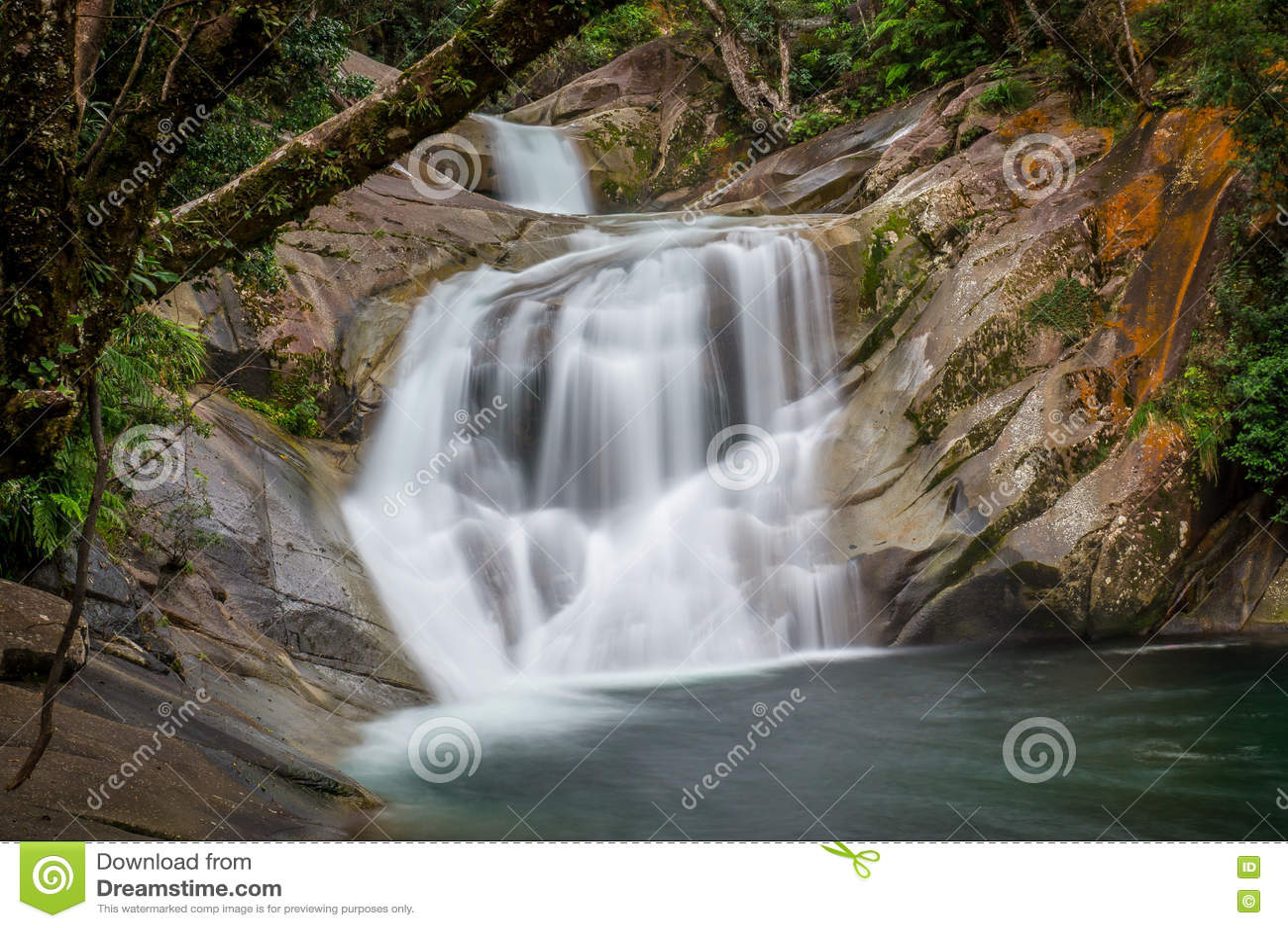 Obere Josephine Falls nahe Steinhaufen