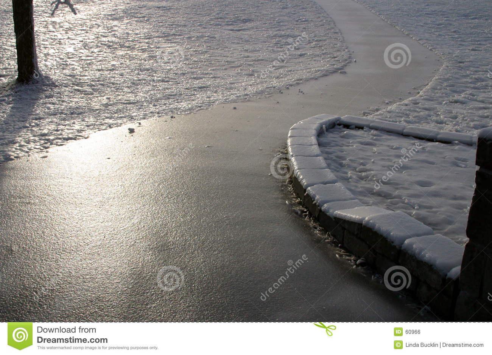 Objętych footpath lodu
