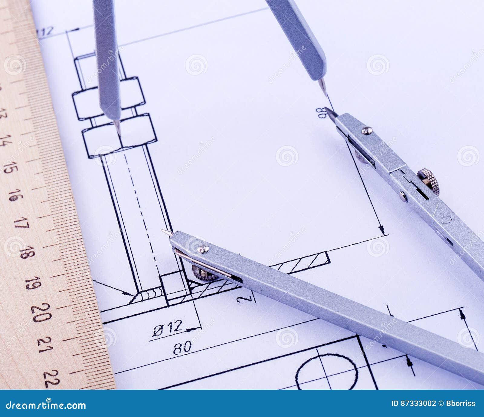Objekt för att skissa och av arbete på grafpapper