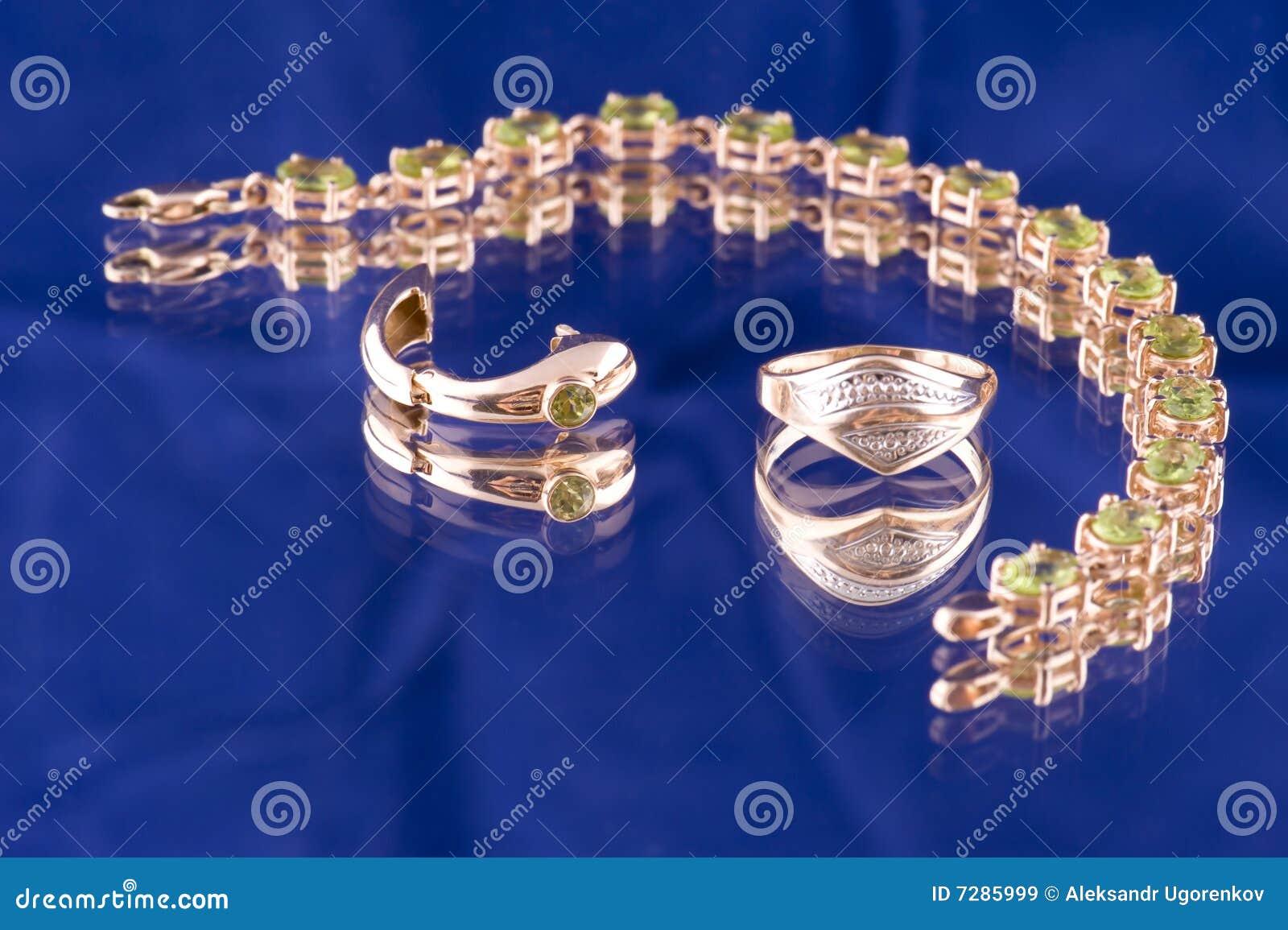 Objeto de valor del oro en azul