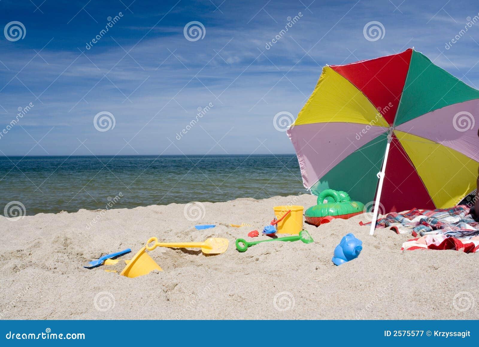 objetos da praia imagem de stock imagem de plástico coastline