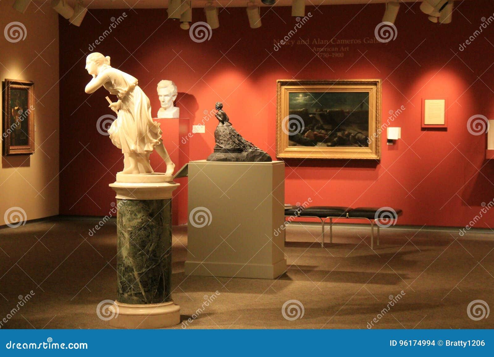 Objets exposés de stupéfaction à l intérieur d une de beaucoup de salles, Art Gallery commémoratif, Rochester, New York, 2017