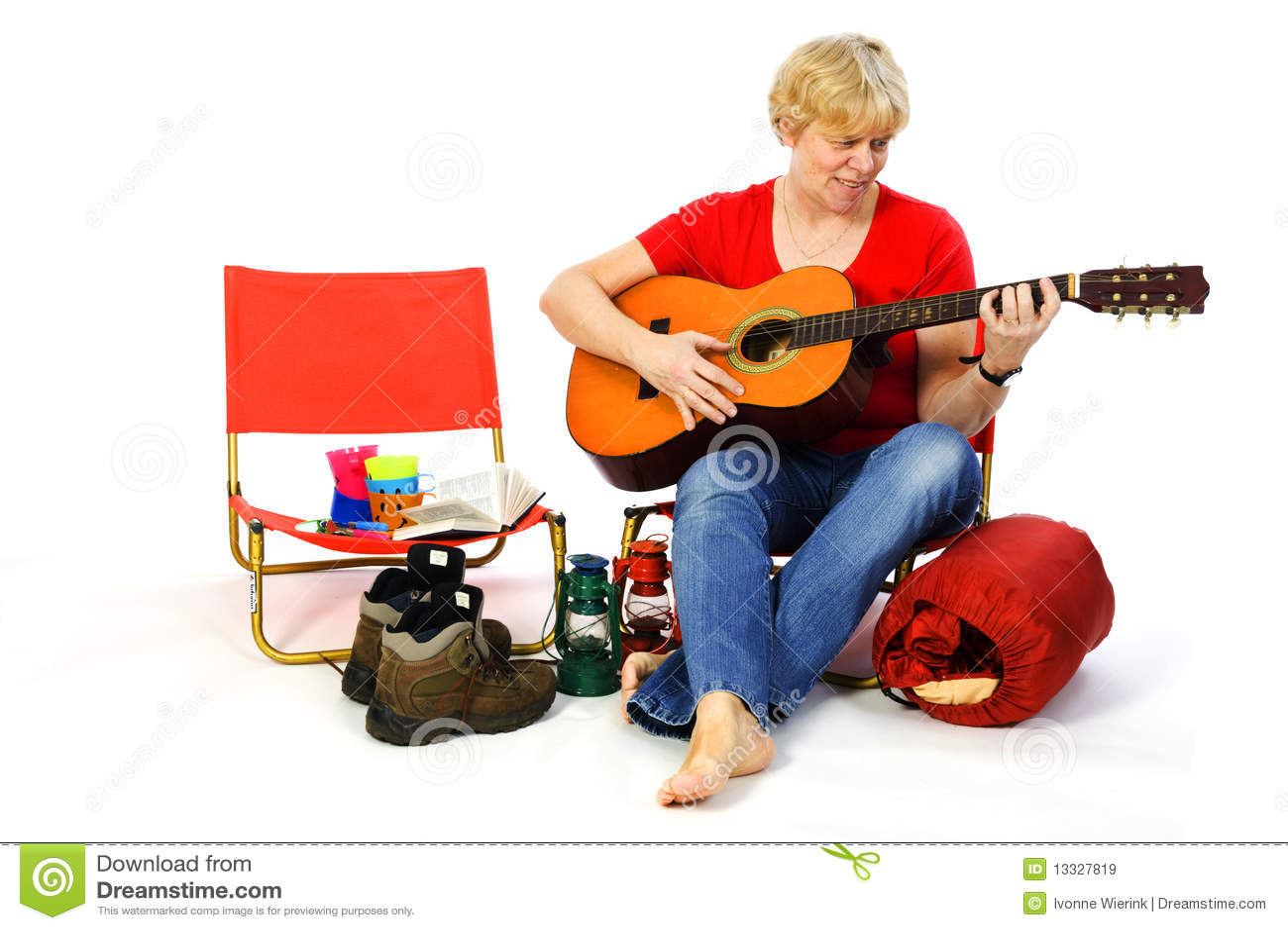 Obozowiska gitary bawić się