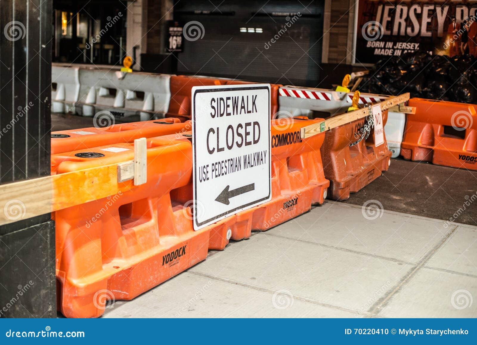 Obras viales en la 48.a calle en New York City, el 18 de abril de 2016