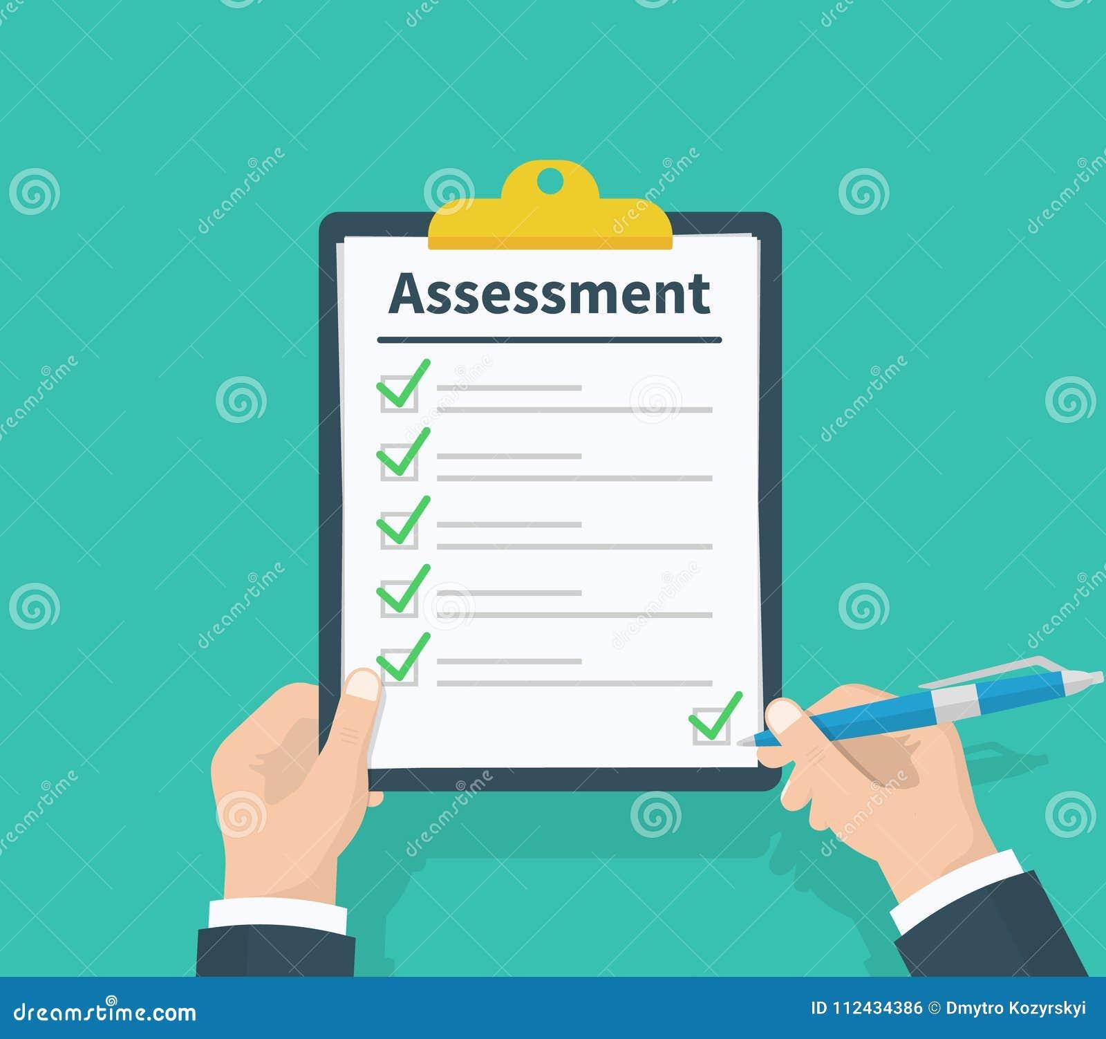 Obsługuje chwyta schowek z oceną, zielenieje cwelichów checkmarks i pisze, Lista kontrolna, testów zupełni zadania, spisuje, prze