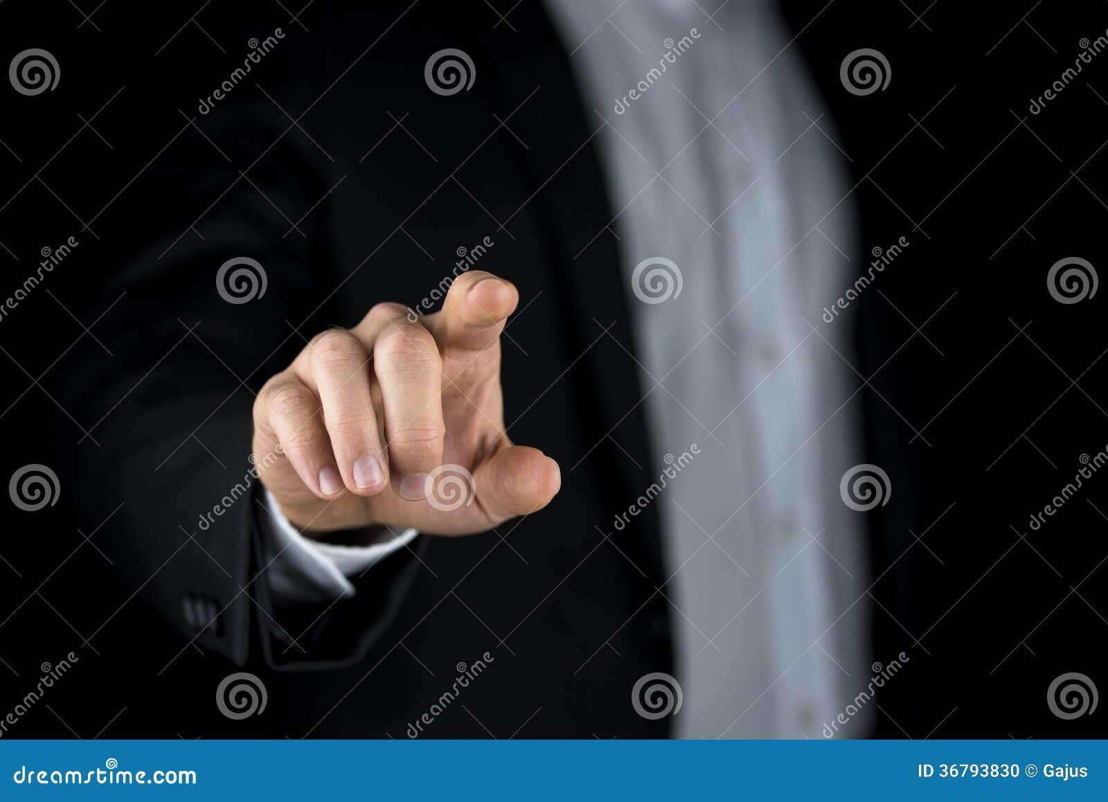 Obsługuje dotykać wirtualnego interfejs z jego palcem