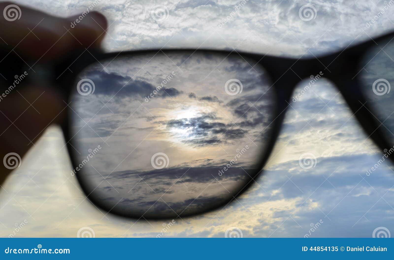 Observación a través de las gafas de sol