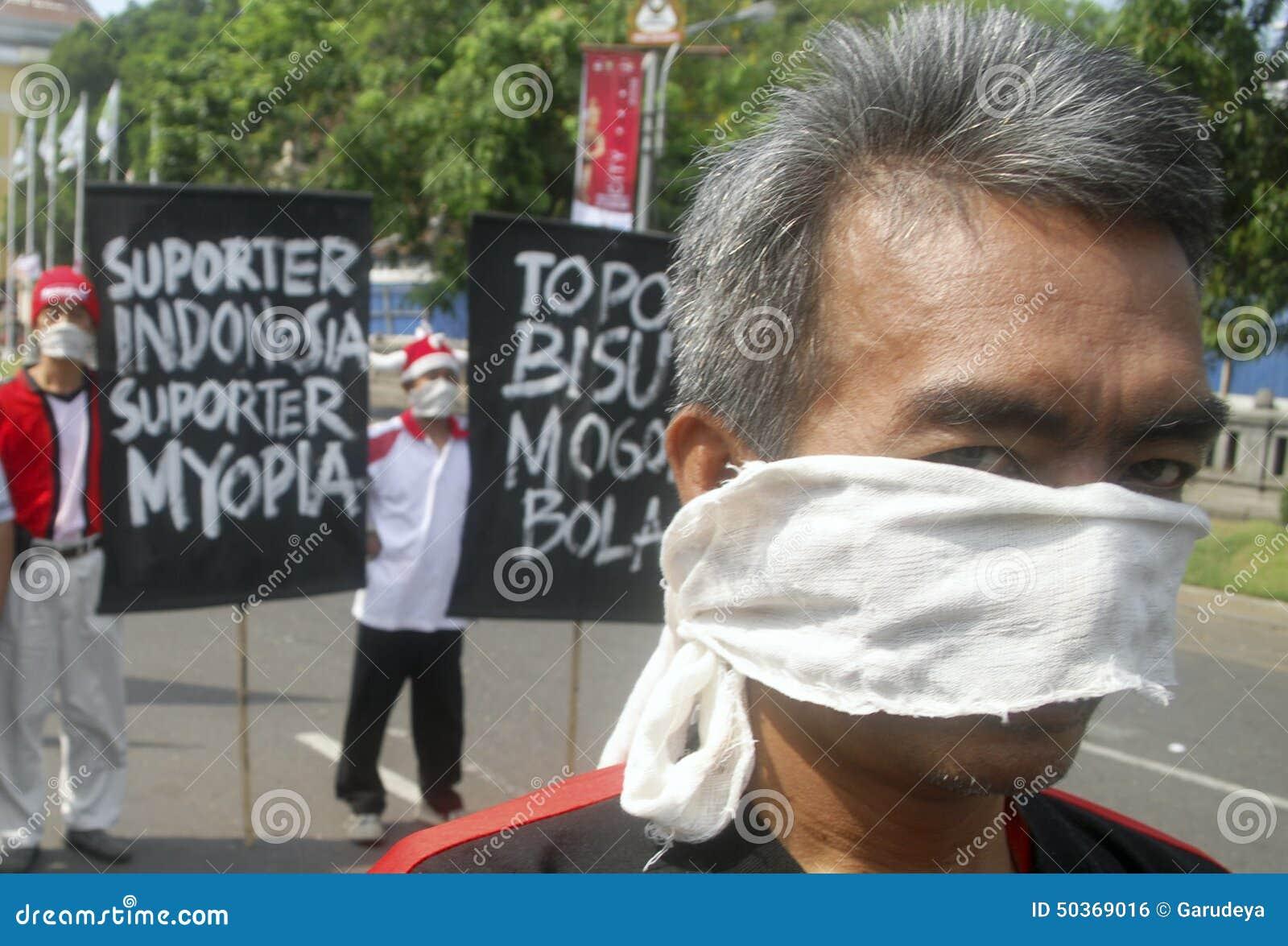 OBSTÁCULO DEMOCRÁTICO S DE INDONESIA