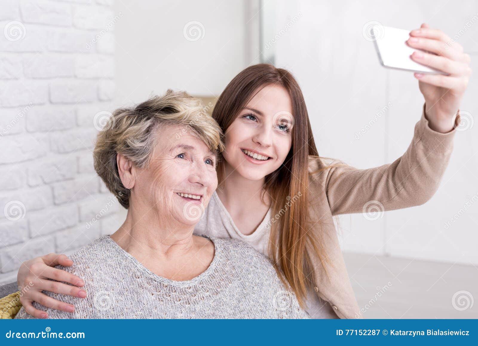 Obtenant le membre de la famille le plus âgé en ligne