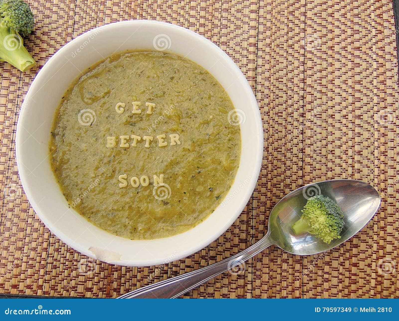Obtenez meilleur bientôt écrit en potage aux légumes avec la cuillère