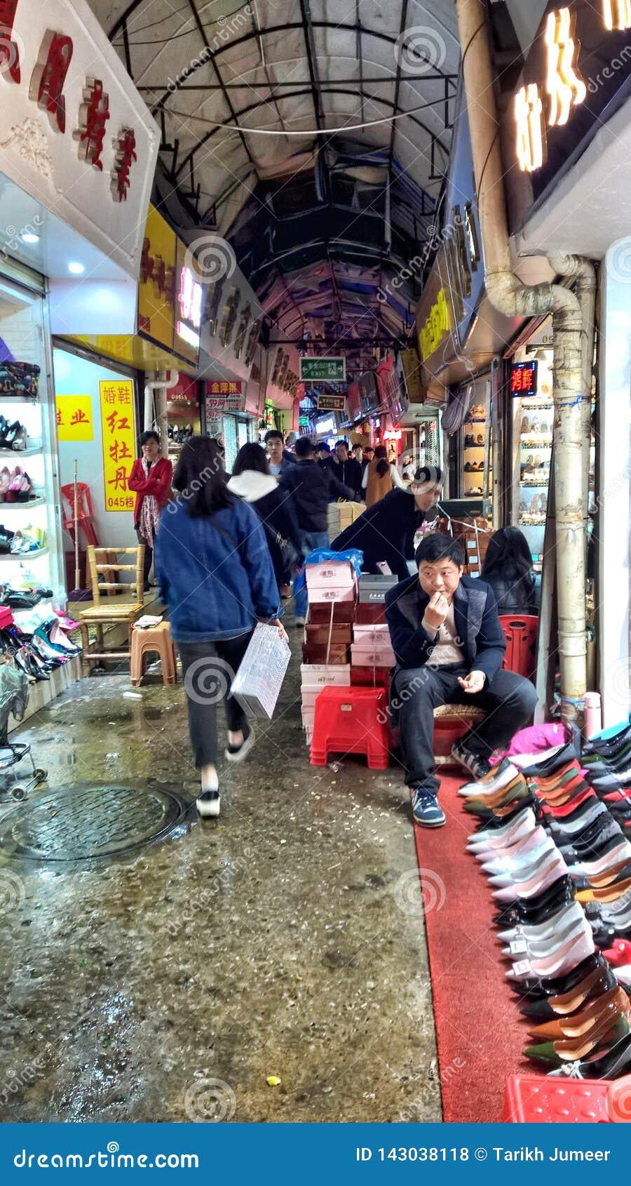 Obuwie rynek w Guangzhou Guangdong Chiny