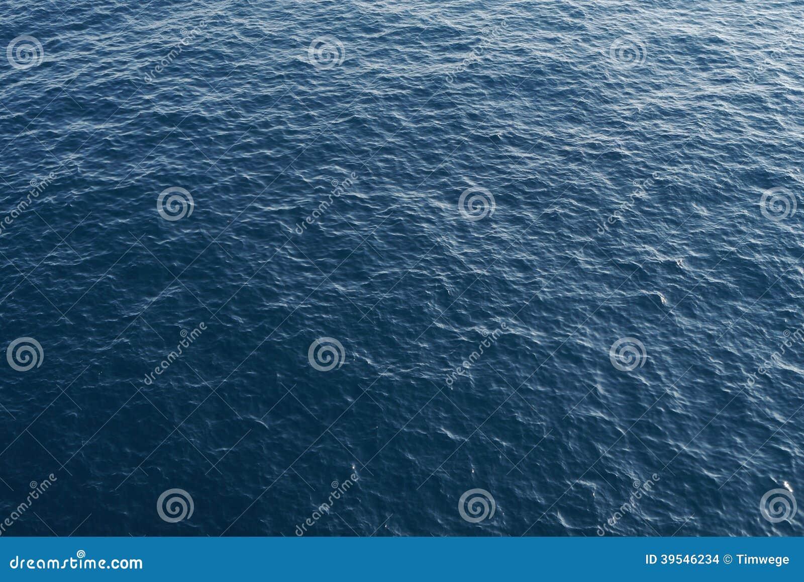 Océano azul profundo desde arriba