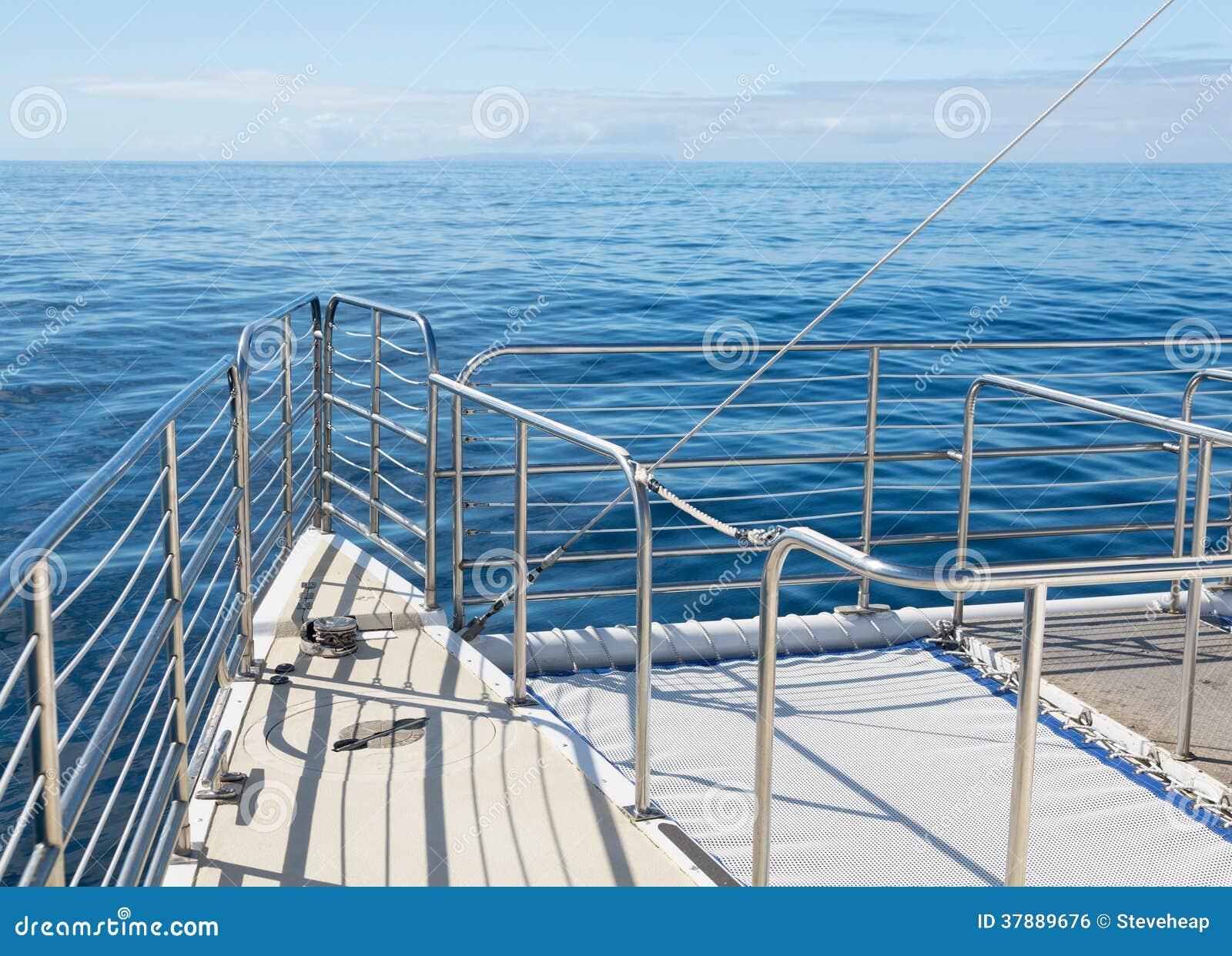 Oceaancatarmarantraliewerk van het cruisejacht