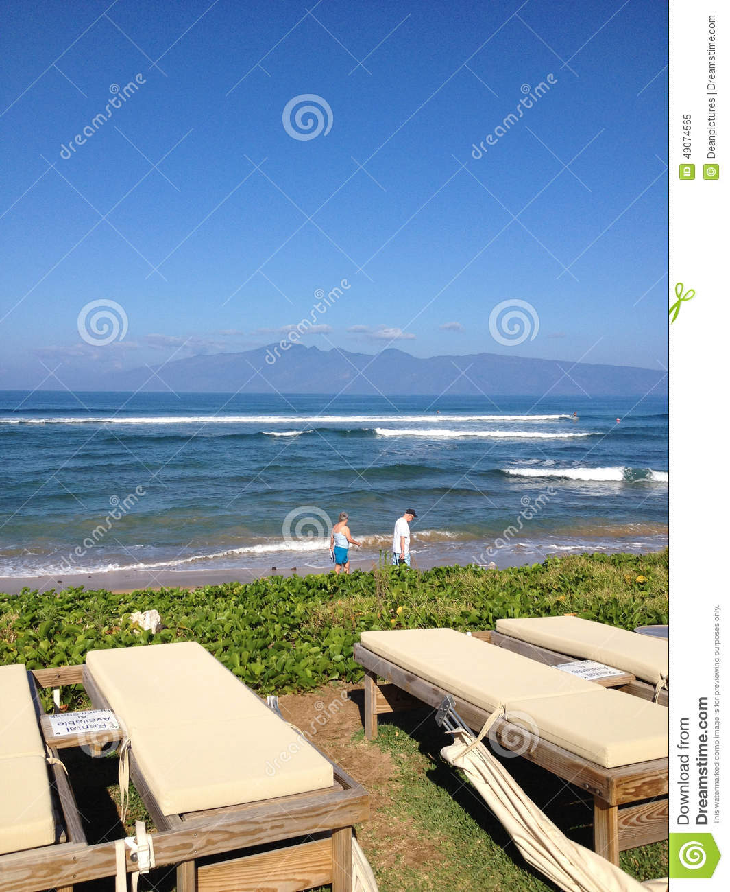 Island Beach People: OCEAN AND RESORTS Editorial Image. Image Of Holiday