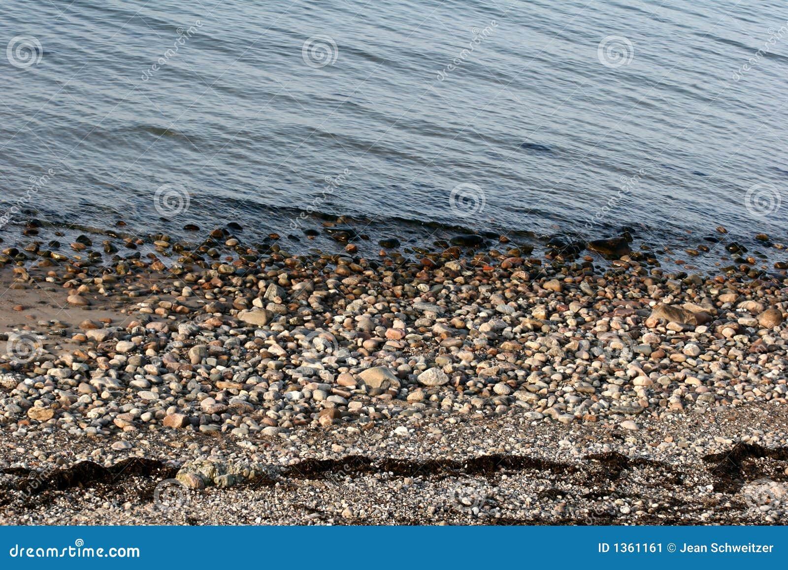 on stones ocean - photo #5