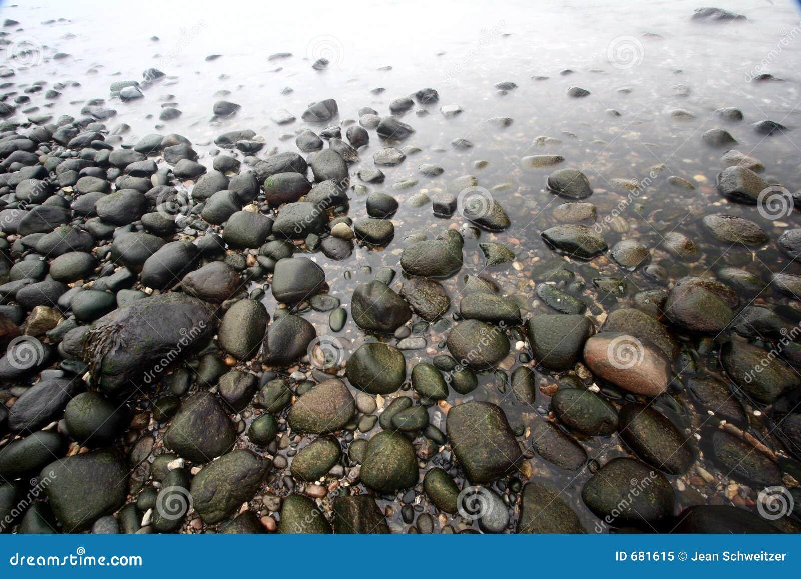 on stones ocean - photo #9
