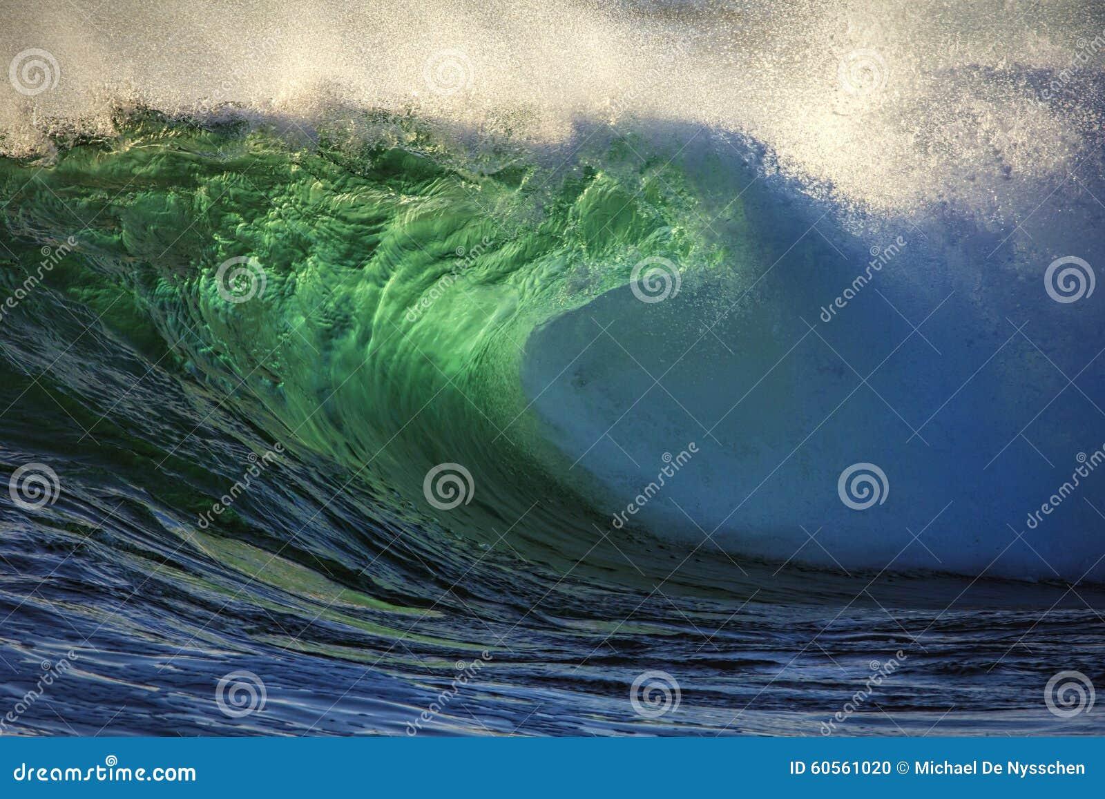 Ocean wave colour