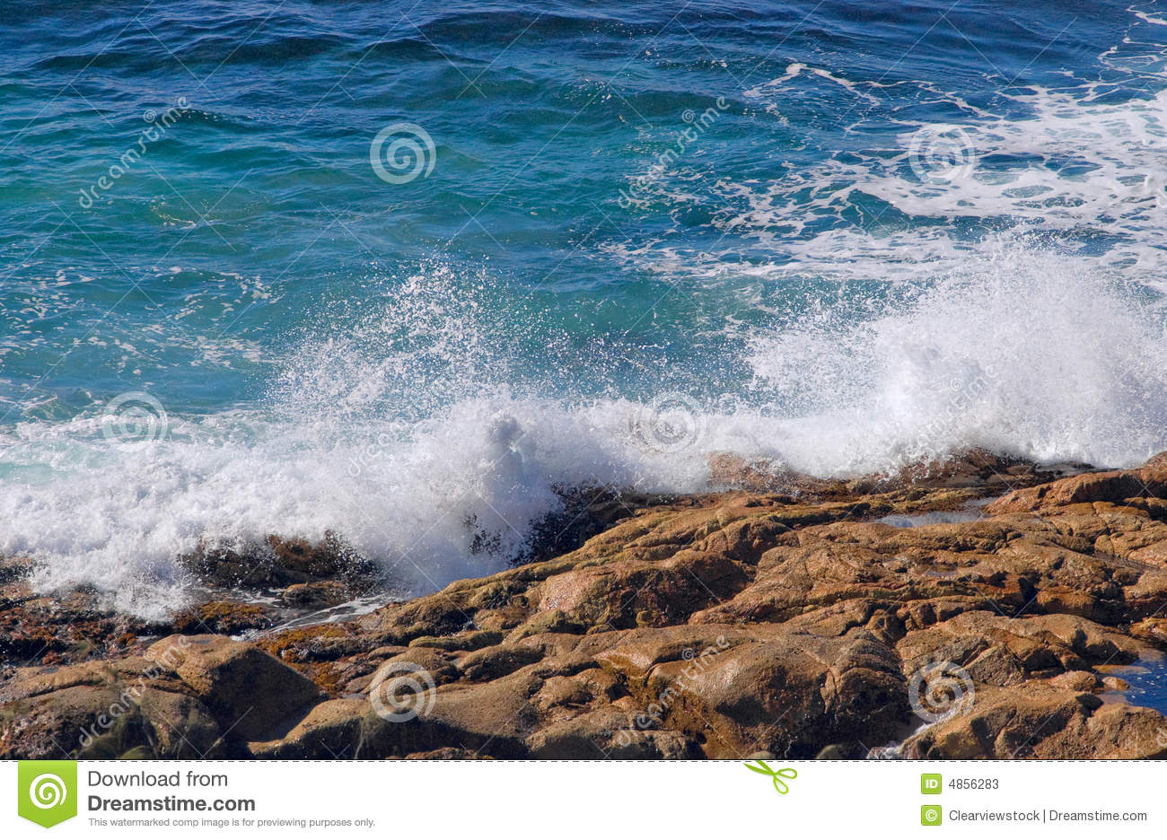 Ocean Waves Crashing On Rocks Stock Photos - Image: 4856283