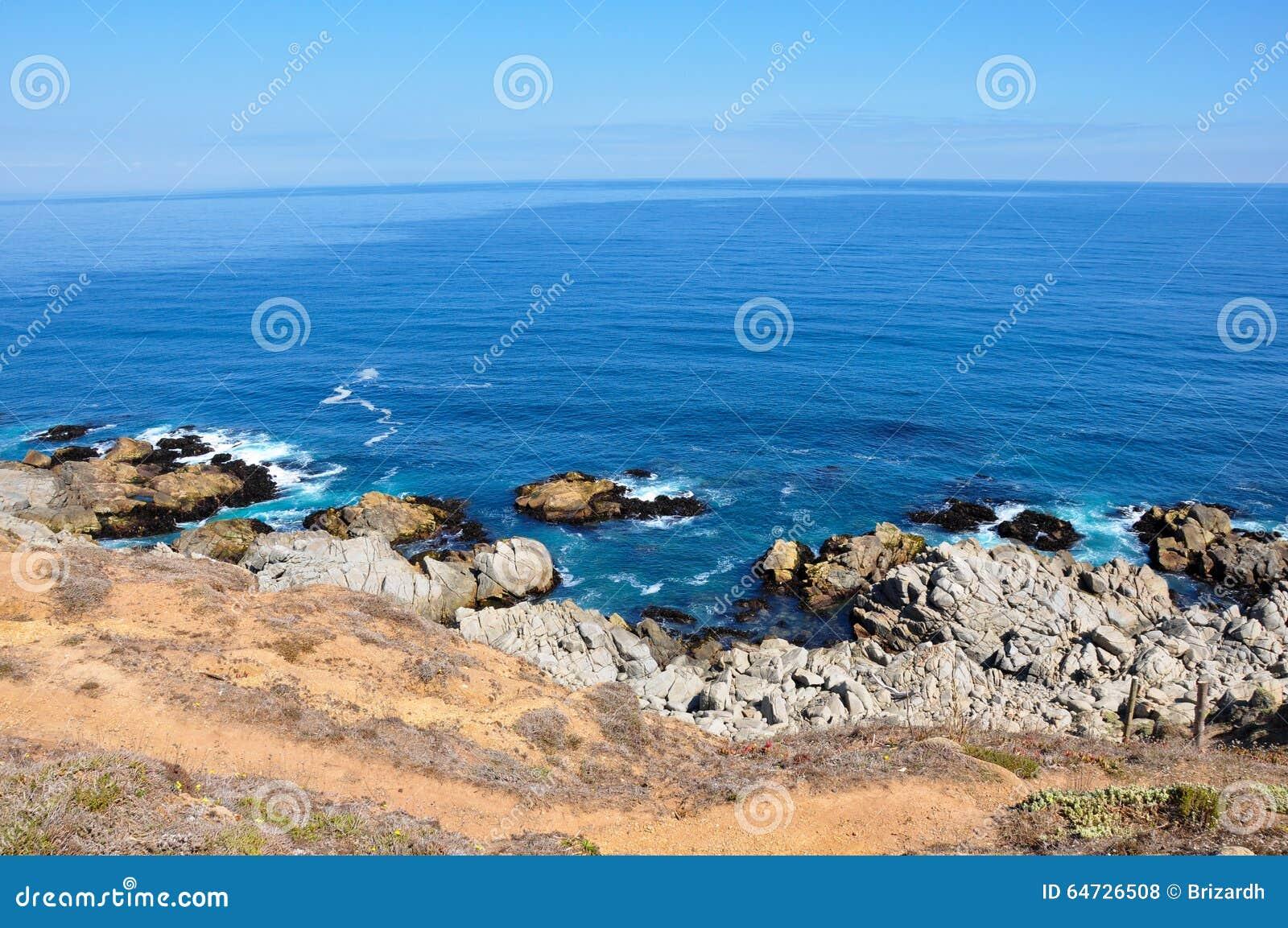 Oceano Pacifico sulla costa di Isla Negra, Cile